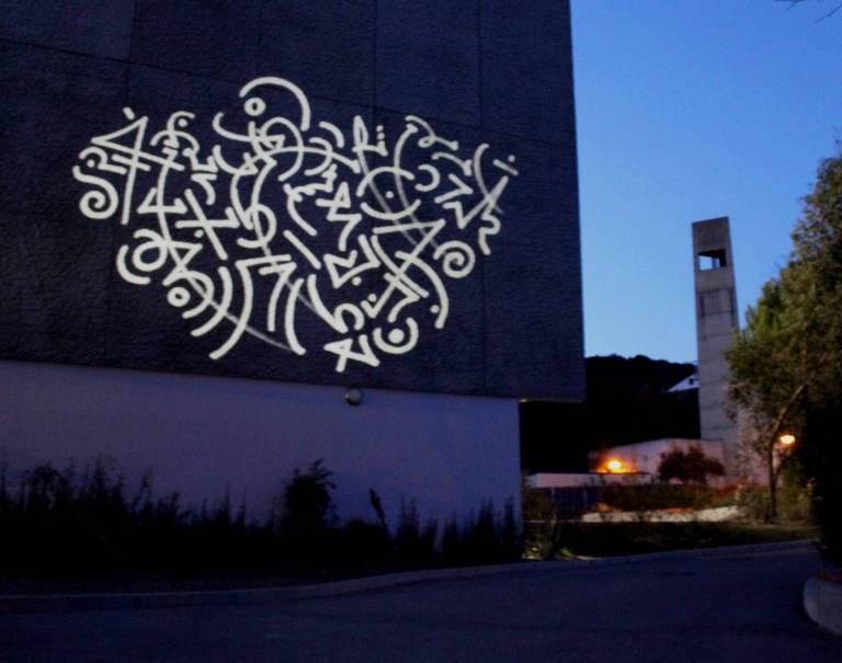 concrete display canvas